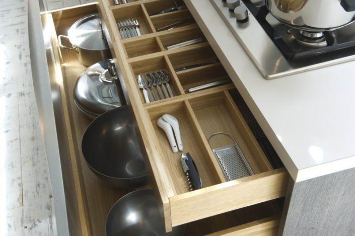 Strak Design Rotpunkt keuken